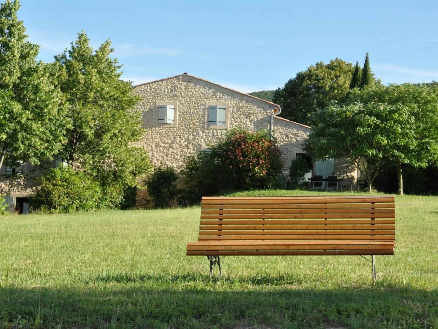 Gîte Etable depuis le jardin commun